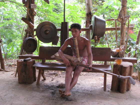 Palaw'an playing music.